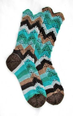 Ravelry: Project Gallery for Ni Julep pattern by Nicola W Knitting Socks, Hand Knitting, Knit Socks, Knitting Projects, Knitting Tutorials, Boot Toppers, Sock Shoes, Mittens, Ravelry