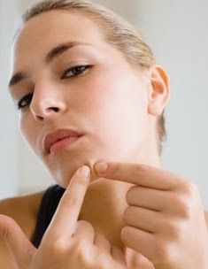 how to get a pimple to come to a head