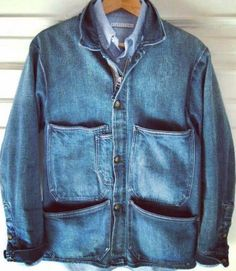 Custom high quality denim jacket wholesale  USD17.8 based on 300pcs (adjustable) Please feel free to contact me via E-mail: sales11@rainbowtouches.com WhatsApp: +8615814354445