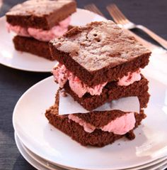 Brownies al cacao con gelato alla fragola #italianfood #recipes #chocolate