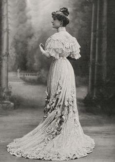 thinking past tomorrow Edwardian Era Fashion, Edwardian Clothing, 1900s Fashion, Vintage Fashion, Historical Costume, Historical Clothing, Vintage Style Outfits, Vintage Dresses, Mode Renaissance