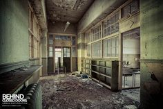 Easington Colliery Primary School - Decaying corridor