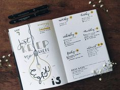 Bullet journal weekly layout, hand scripted daily headers, lightbulb drawing. | @bujomydear