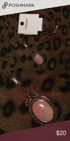 AEO Rose Gold Pendant American Eagle Outfitters Rose Gold & Pink Pearl Stone Pendant Necklace. NWT. 🍥Please send reasonable offers through the offer button!🍥 American Eagle Outfitters Jewelry Necklaces