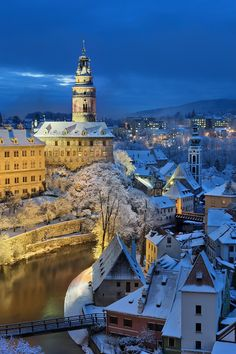 Český Krumlov in winter night (South Bohemia), Czechia Places To Travel, Travel Destinations, Places To Visit, Prague, Places Around The World, Around The Worlds, Voyage Europe, Czech Republic, Beautiful Landscapes