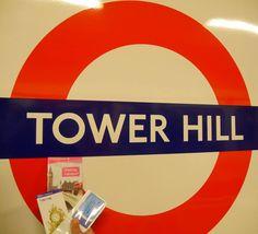Unterwegs in der Londoner U-Bahn #underground #tube #towerhill #towerhilltubestation #londonunderground #thisislondon #visitlondon #lovegreatbritain by ineshoepf