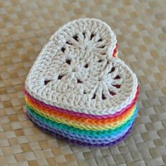 For this years Valentine Heart I wanted to make a flatter, more solid and multi-purpose Granny Heart coaster that could be used all year long. Success! Plus, this Granny Heart is also the perfect applique for decorating a variety of projects like gift bags, totes, baby clothes, and