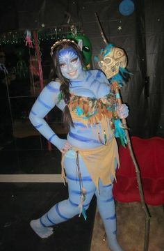 Neytiri from Avatar   27 Insanely Creative Halloween Costumes Every Movie Lover Will Want