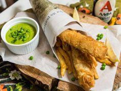 Το αγγλικό street food που έρχεται για να  κατακτήσει  το καλοκαίρι σου. Fresh Rolls, Chips, Ethnic Recipes, Food, Potato Chip, Essen, Meals, Potato Chips, Yemek