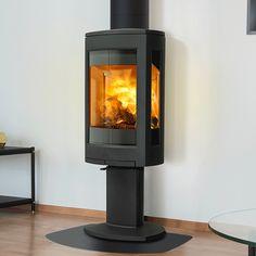 Jøtul F 373 Advance er en videreutvikling av F370 konseptet, som gir en enda større utsikt til flammene og de brukervennlige luftkontrollene sørger for at glasset holder seg rent. Velkommen til fremtiden. Foyer, Stove, Table Lamp, Home Appliances, Glass, Design, Home Decor, Gas Stove Fireplace, Woodwind Instrument