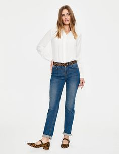 With a slim leg for a flattering cut, these girlfriend jeans are made from authentic denim that has just enough stretch to be comfortable (without losing its shape). Check out the side-trim option if you're looking for that extra wow factor.