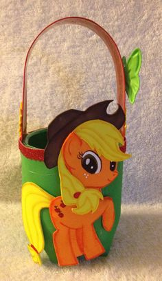 Dulcero reciclado. Applejack My little pony :)