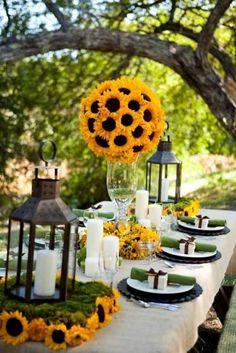 Margaridas são incríveis, não? Veja mais fotos de casamento ao ar livre: http://enfimnoivei.com/decoracao-casamento-ar-livre/ #casamento #fotos #enfimnoivei