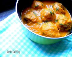 Taste Eat: Lekki sos pomidorowy na bazie jarzyn i suszonych p... Curry, Eat, Ethnic Recipes, Cook, Curries, Cooking