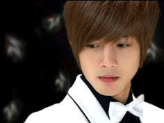 Here is Kim Hyun-Joong Facts in this post you'll know about Kim Hyun-Joong facts and some interesting facts. About the school, family and more things. Playful Kiss, Boys Before Flowers, Boys Over Flowers, Korean Celebrities, Korean Actors, Korean Dramas, Los F4, Koo Hye Sun, Baek Seung Jo
