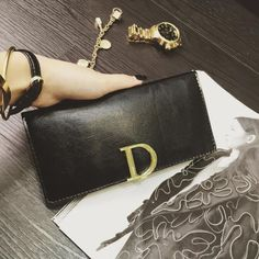 $24.61 (Buy here: https://alitems.com/g/1e8d114494ebda23ff8b16525dc3e8/?i=5&ulp=https%3A%2F%2Fwww.aliexpress.com%2Fitem%2F2016-Designer-D-Letter-Women-Leather-Wallets-Luxury-Famous-Brand-Gold-Wallet-For-Women-Ladies-Wallet%2F32613243233.html ) 2016 Designer D Letter Women Leather Wallets Luxury Famous Brand Gold Wallet For Women Ladies Wallet Long Purses Billetera Mujer for just $24.61