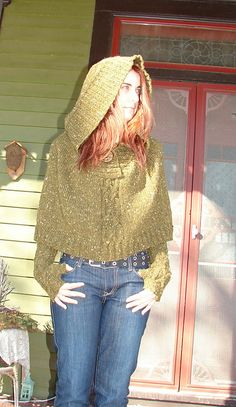 I want one of these!  bean-sidhe Cloak by Lynda McArdell