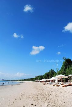 Jimbaran Beach, Bali Indonesia... Check out my Bali honeymoon guide: http://holipal.com/the-best-honeymoon-in-bali/    #Travel #DanCamacho