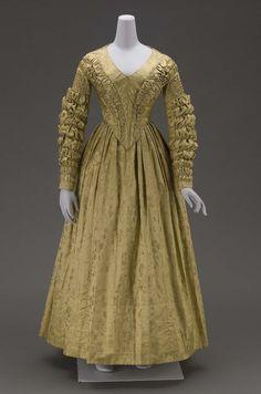 Dress 1840. 👗