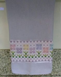 Embroidery Stitches, Hand Embroidery, Bordado Tipo Chicken Scratch, Gingham, Cross Stitch, Arts And Crafts, Hand Embroidery Stitches, Embroidery Designs, Crochet Throw Pattern