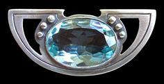 DARMSTADT Jugendstil Brooch. Silver & aquamarine. L: 1.7 cm. W: 3.7 cm. 0.6 in x 1.5 in. Unmarked. German. Circa 1900 Fitted case. (hva)