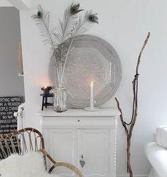 Happy friday!  #interior4all #interieur #interior #interiorandhome #interiors #interiorstyling #homedecoration #home #homeandliving #whiteinterior #whitelivingroom #scandinavianinterior #nordicliving #nofilter #binnenkijken #bohochic