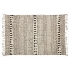 Handgemaakt vloerkleed met franjes en tribal print. Slijtvast, ademend en makkelijk in onderhoud. 230x160 cm (lxb). #kwantumstijl #vloerkleed