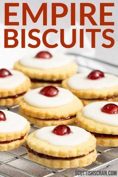 Scottish Desserts, Irish Desserts, Scottish Recipes, Irish Recipes, German Biscuits, British Biscuits, Iced Biscuits, Sugar Biscuits Recipe, Savoury Biscuits