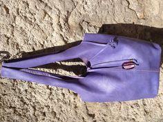 Borsa fragola pelle dipinta a mano viola