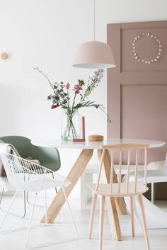 Modern home interiors and design ideas from the best in condos, penthouses and architecture. Plus the finest in home decor and products. Home And Living, Living Room, Small Dining, Home And Deco, Mid Century House, Scandinavian Interior, Decoration, Home Interior Design, Decorating Your Home