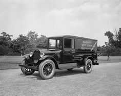 Hellmanns Mayonnaise Delivery Truck 1925 V