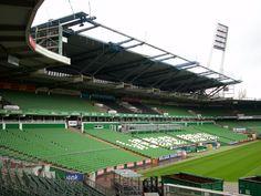 Weserstadion, Bremen, Estado de Bremen, Alemania. Capacidad 42.358 espectadores, Equipo local Werder Bremen.