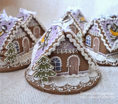 Sweet little gingerbread cottages. I like the style of gingerbread tree out front. Gingerbread Village, Gingerbread Decorations, Christmas Gingerbread House, Christmas Love, Gingerbread Man, Christmas Treats, Winter Christmas, Gingerbread Cookies, Ginger House