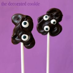minutes-to-make chocolate BLOB pops for Halloween.