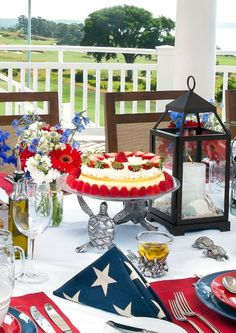 Hamptons Entertaining by Annie Falk - Celebrations at Home