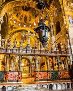 Inside Basilica di San Marco Venice Italy. #travelgram #travel #tourist #basilicasanmarco #italy #venice #friendlyplanet