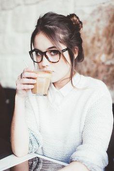 Lunettes écaille brune pour visage de forme carrée, coeur ou ovale. Brown tortoiseshell glasses for square face shape , heart or oval. #lunettes #glasses #geek #nerd