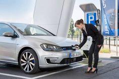 Diferencias entre coche eléctrico y coche híbrido. Imagen: Volkswagen Golf Gte #coche_electrico #movilidad_sostenible