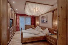 #Bedroom #Penthousesuite #Alpenschlössl & #Linderhof #wellnessresort #southtyrol
