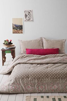 Magical Thinking Calicut Comforter - Urban Outfitters