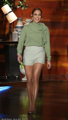 Jennifer Lopez appearing on The Ellen Show on January wearing a Valentino Silk Pussy-Bow Blouse Valentino Green Tailored Shorts and Gianvito Rossi Business Point-toe Velvet Pumps J Lo Fashion, Fashion Books, Daily Fashion, Fashion News, Fashion Outfits, Look Con Short, Tailored Shorts, Bow Tops, Inspiration Mode