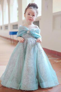 Con gái Elly Trần hoá Lọ Lem xinh yêu gây bão mạng xã hội