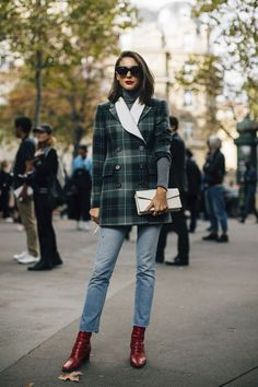 style / street style / fashion / trending / plaid coat / straight leg jeans / winter fashion