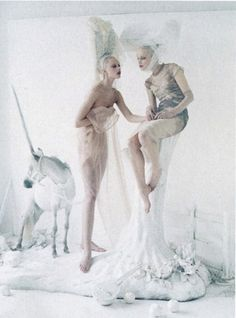 OldWIG Happening Vintage Photoshoot Inspiration - Tim Walker. Vogue US. May 2012.
