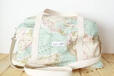 Travel the world with a world map bag Backpack Purse, Mini Backpack, Cute Backpacks, Cute Bags, Travel Bags, Purses And Handbags, Diaper Bag, Gym Bag, Fashion Accessories