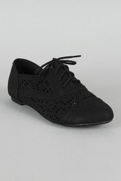 Cambridge-05 Perforated Lace Up Oxford Flat.