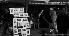 KUNST AM STEPHANSPLATZ   Aus Wien nicht wegzudenken - die unzähligen Straßenkünstler. Und sie bereichern das Stadtbild wirklich. Gelato, Photo Wall, Frame, Vienna, Walking, Decor, Pictures, December, Kunst