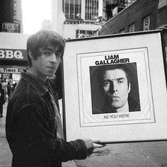 Proof of time travel. Music Album Covers, Music Albums, Liam Oasis, Oasis Music, Oasis Band, Peel Sessions, Primal Scream, Noel Gallagher, Band Camp