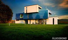 SHADES OF BLUE - Project: Musterhaus Gira, Erfurt - Architects: Marmann Bau GmbH, Erfurt| Germany - Construction: Cassettes - Product: ALUCOBOND® spectra Ocean - Photos: Ulrich Beuttenmüller for Gira