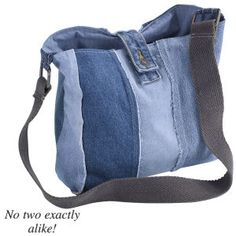 denim bag no pattern, just a link to a catalog, but easy to make idea Sacs Tote Bags, Denim Tote Bags, Denim Purse, Tote Purse, Jeans Denim, Jean Purses, Purses And Bags, Sewing Jeans, Denim Handbags